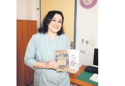 Temizlik görevlisi iki kitap yazdı
