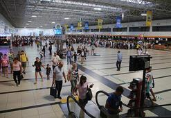 Antalyaya nisanda gelen turist sayısı üç aylık rakamı geçti