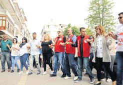 Balçova'da davullu zurnalı kutlama
