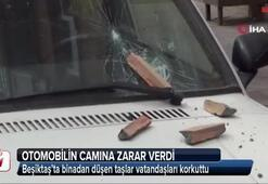 Beşiktaş'ta binadan düşen taşlar vatandaşları korkuttu