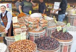 Tarihi çarşıda Ramazan hazırlığı