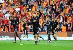 Galatasaray taraftarından Burak Yılmaza jest