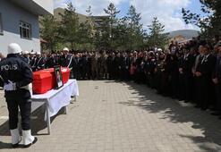 Şehit polis memuru Ateş için tören