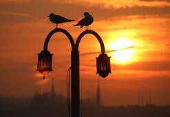 İzmir'de sahur saat kaçta 12 Mayıs İzmir imsak saati