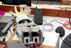 Liseli öğrenciler robotik kol tasarladı