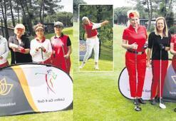 Kadın golfçüler sahada
