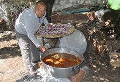 Asırlık ramazan nöbeti... Her gün bir aile iftar veriyor