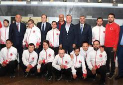 TFF Başkanı Hüsnü Güreli, Down Sendromlular Milli Takımı ile bir araya geldi