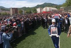 Şehit Uzman Çavuş Demirciyi 10 bin kişi uğurladı