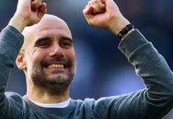 Premier Ligde sezonun teknik direktörü Guardiola