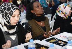 ABDli sanatçı Della Miles, Bağcılar'da iftar yaptı