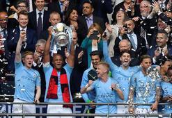 Manchester City ezdi geçti Üçüncü kupa...