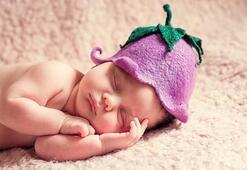 Yeni doğan bebekte neden akne olur