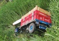 Traktör kurutma kanalına devrildi: 2 yaralı