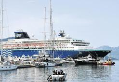 'Horizon' Marmaris Limanı'na demirledi