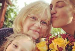 Üç kuşak bir arada Meryem Uzerli, annesi ve kızı