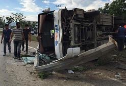 Bursada servis midibüsü devrildi: 11 yaralı