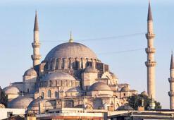 Süleymaniye'nin duvarına delik