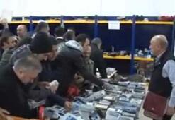 PTTde 10 TLye telefon dağıtılınca insanlar birbirini ezdi