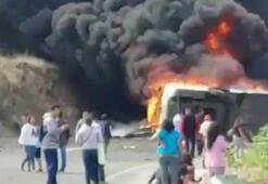 O ülkede yolcu otobüsü ile TIR çarpıştı Onlarca ölü ve yaralı var...
