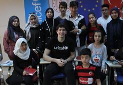 Milli basketbolcu Cedi Osmandan gençlik merkezine ziyaret