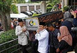 Endonezyanın eski First Ladysi Ani öldü