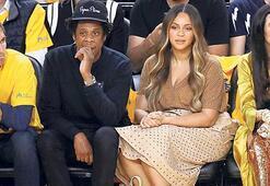 Basketbol maçını izlediler