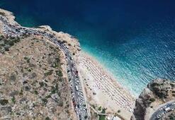 Dünyaca ünlü plajda bayram yoğunluğu