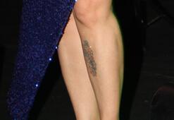 Aşkın Nur Yenginin dövmeleri dikkat çekti