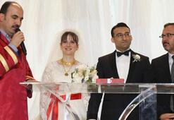 Gençlik ve Spor Bakanı Kasapoğlu, nikah şahidi oldu
