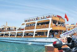 12 bin kişi tekne turlarına katıldı