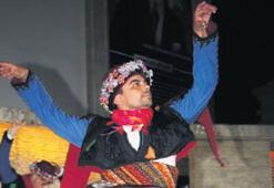 Menderes'te halk dansları gecesi