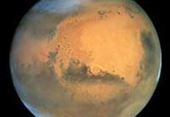 Mars'ta buz kitleleri bulundu