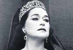 La Diva Turca, İzmir'de