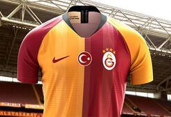 Galatasaray, yeni sezon formasını tanıttı