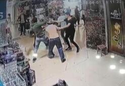 Kapalıçarşıda muştalı, biber gazlı saldırı kamerada
