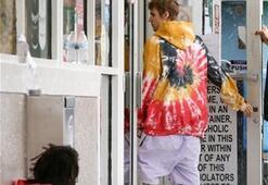 Justin Bieber evsizi es geçmedi