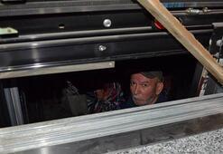 Yaşlı çift saatlerce asansörde mahsur kaldı