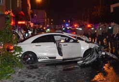 Ümraniyede korkunç olay Lüks otomobil yayaların arasına daldı