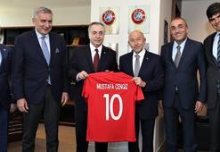 Mustafa Cengizden TFF Başkanı Nihat Özdemire ziyaret