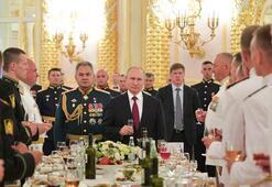 Putin dünyaya duyurdu Yenilmezler orduya girecek...