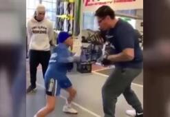 Genç boksörden baş döndüren hız