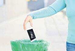 Çöpe attığın telefon altın değerinde