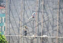 Dağcı gibi tırmandılar... İstanbulda korku dolu anlar