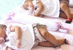 İkiz bebekler birlikte mi uyumalı