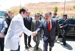 Sağlık Bakanı Koca, Nuri Pakdili hastanede ziyaret etti
