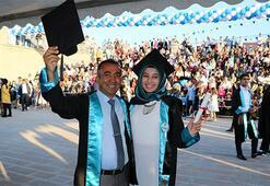 Baba kız aynı anda mezun oldu