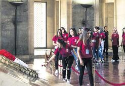 Şehit ve gazi çocukları Anıtkabir'i ziyaret etti