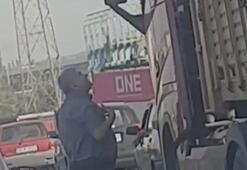 TIR sürücüsü, aracını tartıştığı kişinin üzerine sürdü