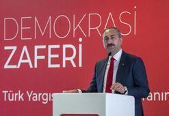 Bakan Gül: Türk yargısı, demokrasi nöbetini adliye koridorlarında o gece başlattı